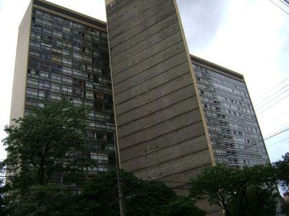 Edifício JK, projetado pelo arquiteto Oscar Niemeyer, em 1952