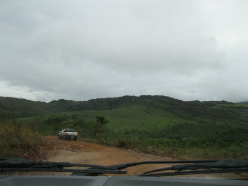Estrada de terra em Rio Acima