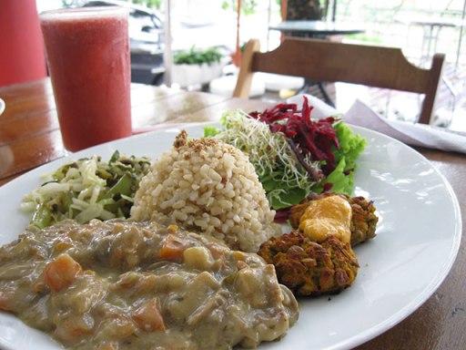 prato de comida vegetariano