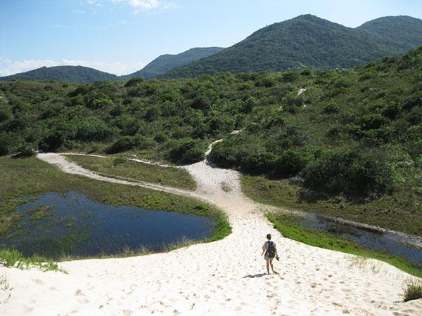 trilha pelas dunas