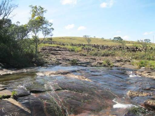 cachoeira serrinha carrancas