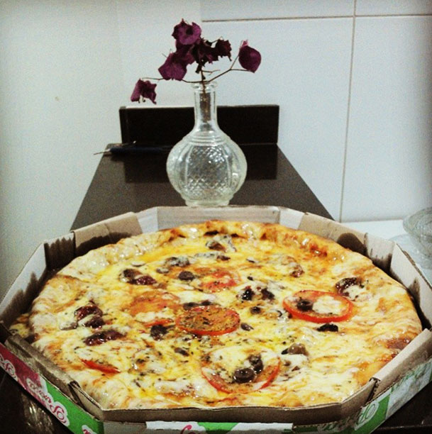 pizza bairro sagrada familia