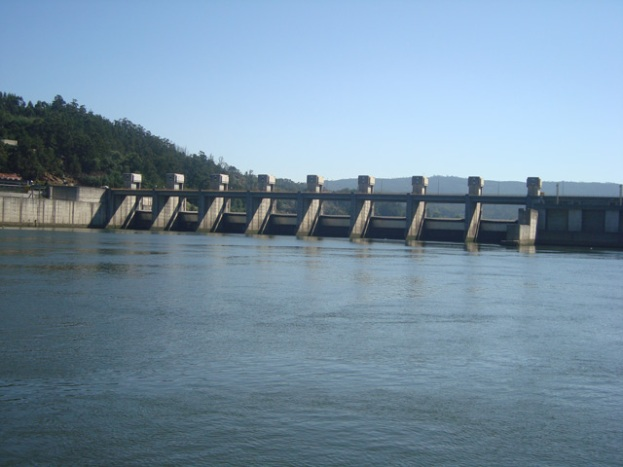 eclusa no rio Douro