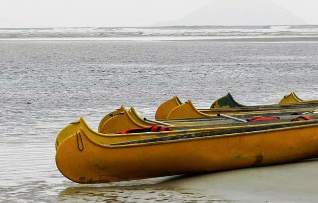 canoa Praia de Itaguaré