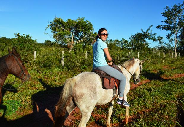 passeio de cavalo em bonito