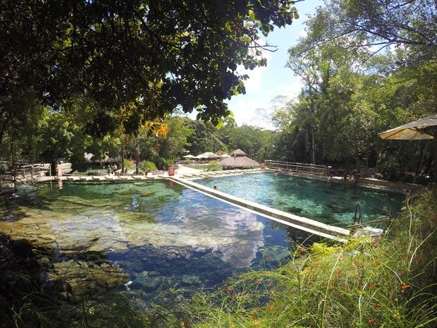 agua do rio quente resorts
