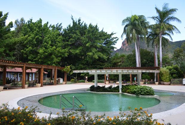 hotel turismo piscina