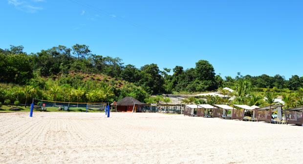 quadra na praia do cerrado