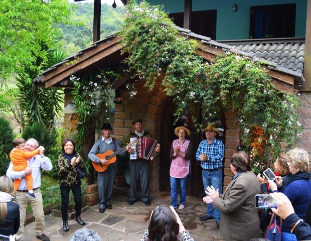 Tour Linha Bella, turismo rural em Gramado   aventure-se.com