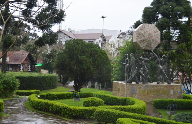 Monumento nova petropolis