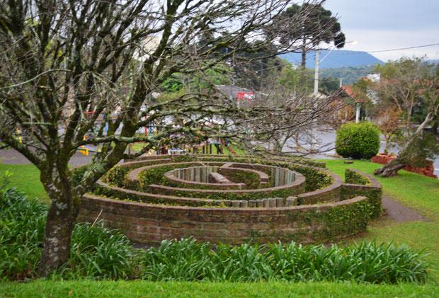 nova petropolis labirinto