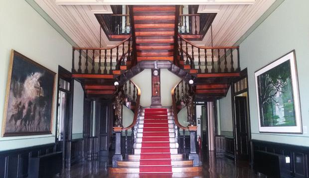 escada palacio rio negro