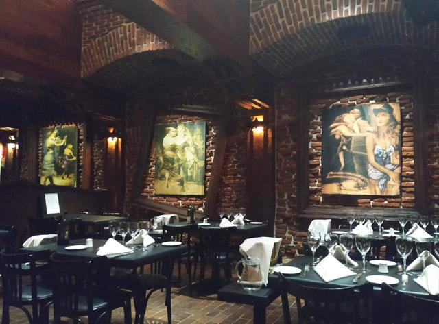 restaurante com decoração de tango